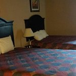 Photo de Days Inn & Suites Jeffersonville IN