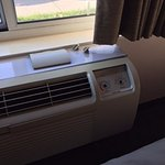 Non-functioning HVAC unit, Room 122