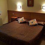 La segunda habitación con doble cama (dos camas unidas)