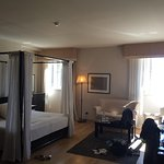 Standard bedroom with sea view and four poster ❤️ room service and the veal fillets on the vapor