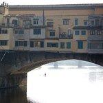 ponte vecchio visto dall'Oltrarno