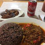 Ropa vieja,congri y platanos maduros. Shredded beef, rice and black beans & sweet plantains.