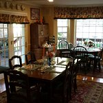 Comfy and casual dining area.