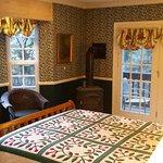The popular Evergreen room. Plenty of windows.