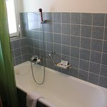Alpina Hotel - Zermatt - Separate Bathroom