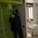 Double Room - Wardrobe and bathroom