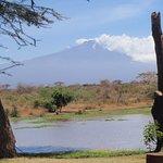 Frühstück mit Blick auf den Kilimandscharo