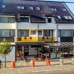 Ahoy Gastrobar & Cafe