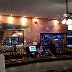 Foto de Ernie's Bar-b-que & Lounge