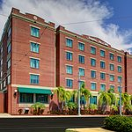 Welcome to the Hampton Inn & Suites Tampa/Ybor City/Downtown