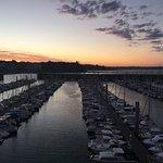 vue sur le port de plaisance  (de la chambre )