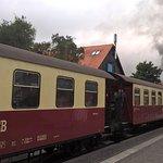 Zug verlässt den Bahnhof Wernigerode
