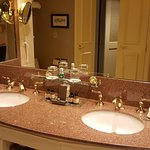 Love the double sinks!