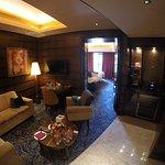Foto de Resorts World Sentosa - Crockfords Tower