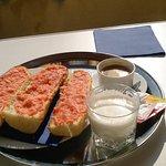 Desayuno del restaurante en la habitación