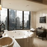 Jacuzzi in Paranim Penthouse Suite