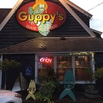 Guppy's Restaurant & Tavern Foto