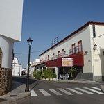 vista del Hotel y Restaurante OASIS FAMILIAR