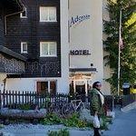 Photo de Hotel Adonis
