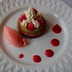 tartelette à la rhubarbe et aux framboises
