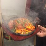 Top quality sizzle pot, that's is still sizzling when served! perfect!