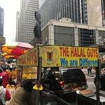 Photo de 53rd & 6th Halal