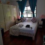 Photo of Hotel Portes 9