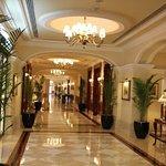 Photo de Afternoon tea at the Imperial Hotel Delhi