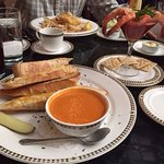 Tomato Basil soup with cheese bread