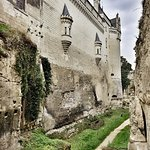 Les douves du chateau permettant d'acceder au chateau en sous sol.
