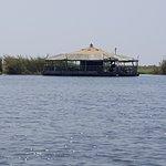 Foto de The Raft Floating Restaurant