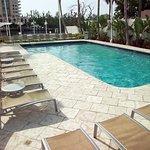 Foto de GALLERYone - A DoubleTree Suites by Hilton Hotel