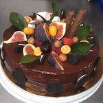 Замечательный,просто обалденно вкусный тортик.