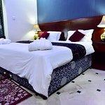 Foto de Al Bhajah Hotel