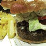 Photo de Weekend's Fast Food & Bar