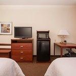 Queen Accessible Room Amenities