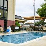 Photo of Hampton Inn Dallas North / I-35 East At Walnut Hill