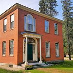 The Colony House Bed & Breakfast built in 1819