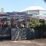 La estructura del Mercado Victoria tapa la estructura de la pergola original