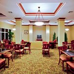 Photo of Holiday Inn Express Hotel & Suites St. Petersburg North I-275