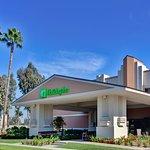 Photo of Holiday Inn Hotel & Suites Anaheim (1 BLK/Disneyland)