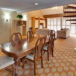 Holiday Inn Hotel Dublin-Pleasanton Honey Moon Suite