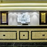 Check in with ease at the Holiday Inn London Mayfair