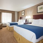 Foto de Holiday Inn Express Hotel & Suites Antigo