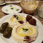 Foto de Aroma Mediterranean Cuisine