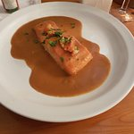 Baked salmon with Lobster sauce
