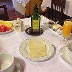 Desayuno. Falta el pan y las magdalenas caseras.