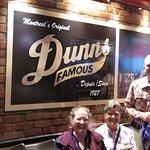 Photo de Dunn's Famous