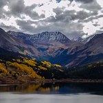 Dramatic High Alpine Lakes & Mountain Peaks