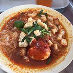 Every time We visit Singapore, We always brunch here.  Rice noodle at kampong glam cafe near sul